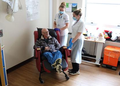 Stuart talks to staff nurses
